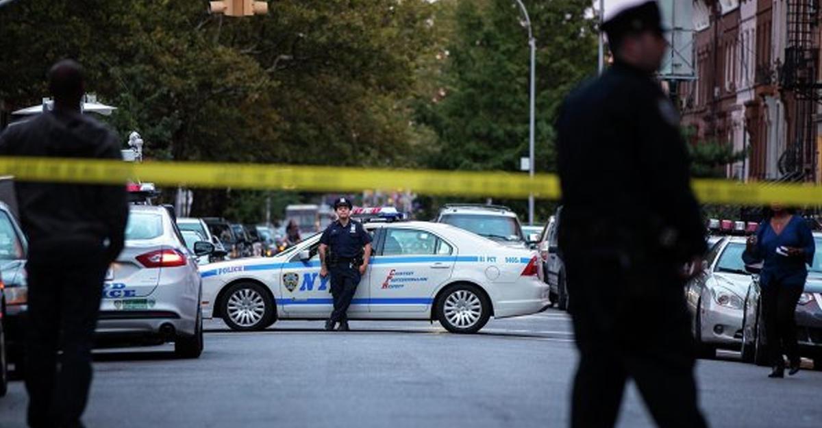 ВСША убили 2-х полицейских иззасады