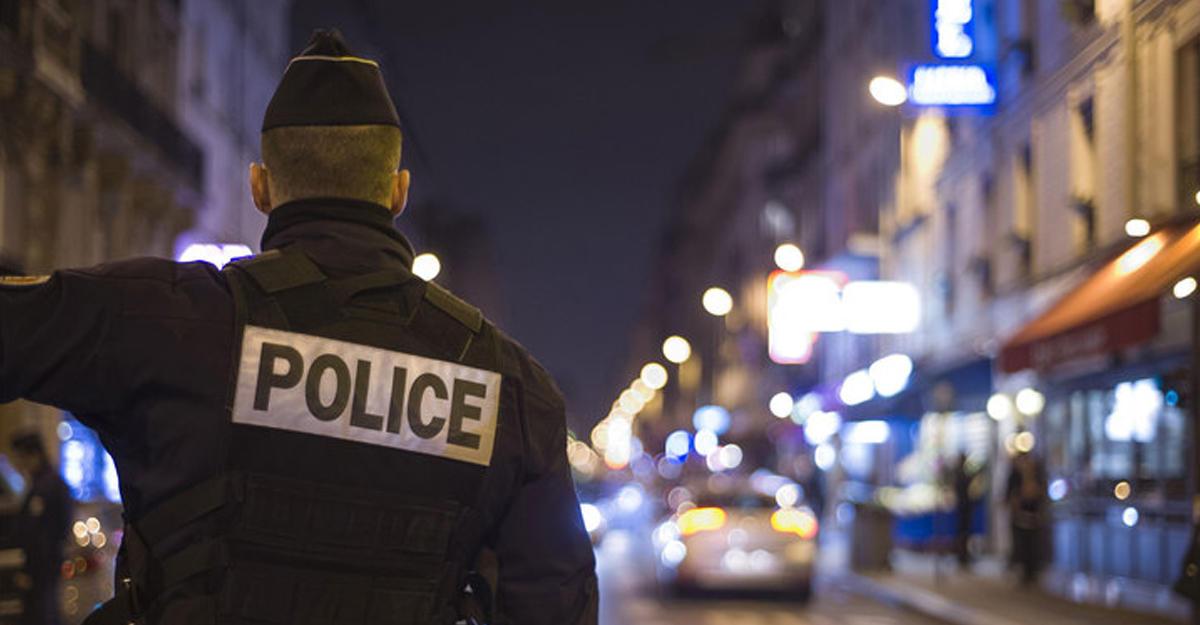 Годовщина терактов встолице франции: власти продлевают режимЧП вгосударстве