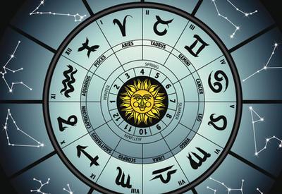 Гороскоп на воскресенье: Водолей будет обладать невероятным даром убеждения, а Лев имеет шанс стать центром притяжения людей