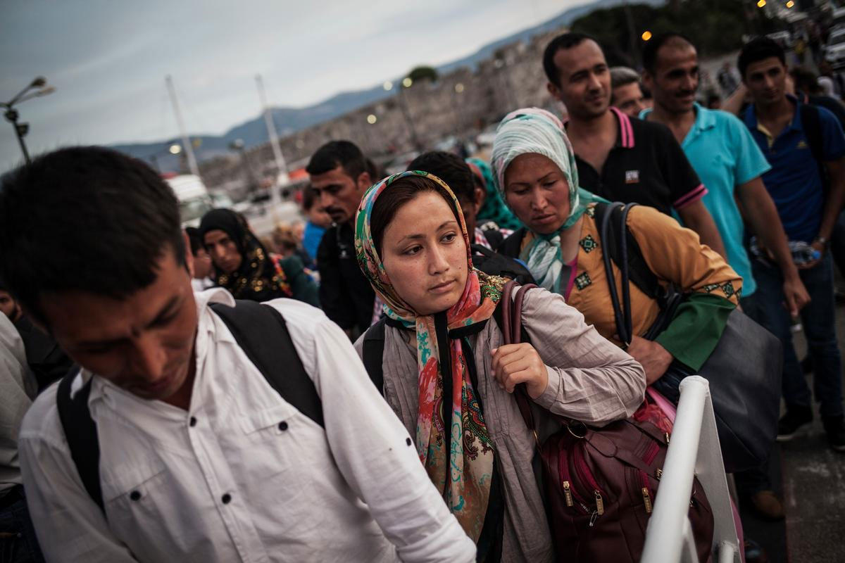 Меркель поручила доНового года депортировать изГермании неменее 30 000 мигрантов