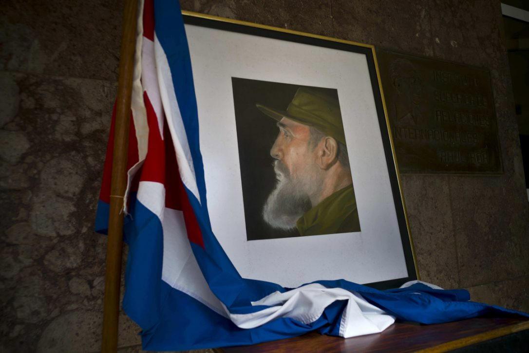 Песков поведал, почему реакция Владимира Путина иТрампа насмерть Фиделя Кастро отличается