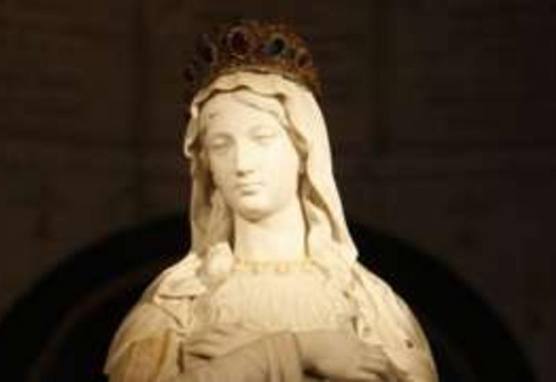 Французский город обязали убрать из парка статую Девы Марии