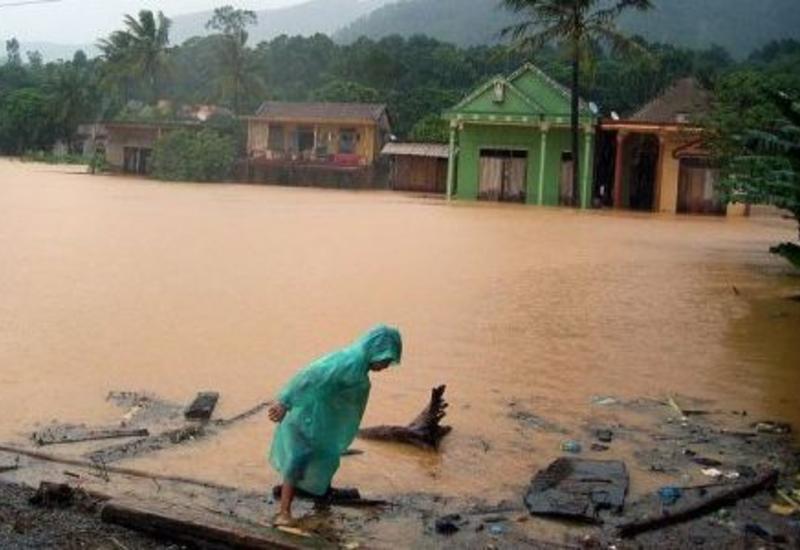 Наводнения во Вьетнаме, более 100 тыс. домов оказались под водой