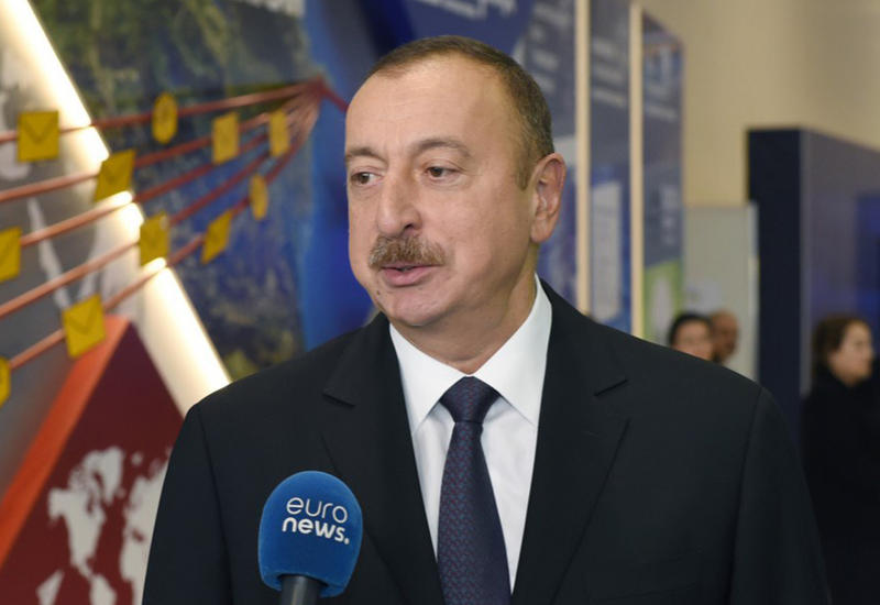 """Президент Ильхам Алиев: Азербайджан стал одной из стран-лидеров региона в сфере ИКТ <span class=""""color_red"""">- ВИДЕО</span>"""
