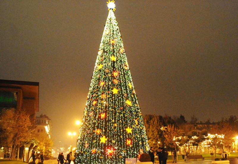 Баку вошел в десятку городов, где россияне встретят Новый год