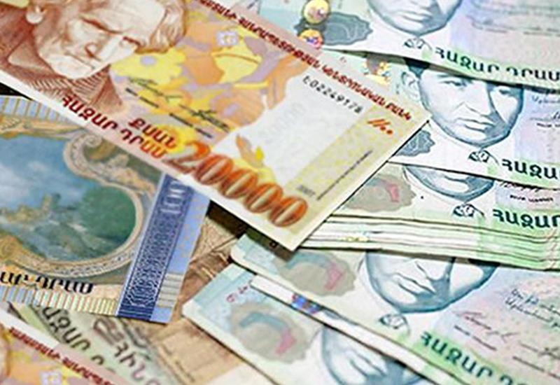 В Армении подростки печатали деньги на принтере
