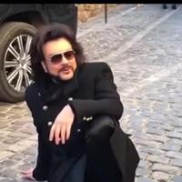 """Филипп Киркоров прогулялся по Баку перед концертом <span class=""""color_red"""">- ВИДЕО</span>"""
