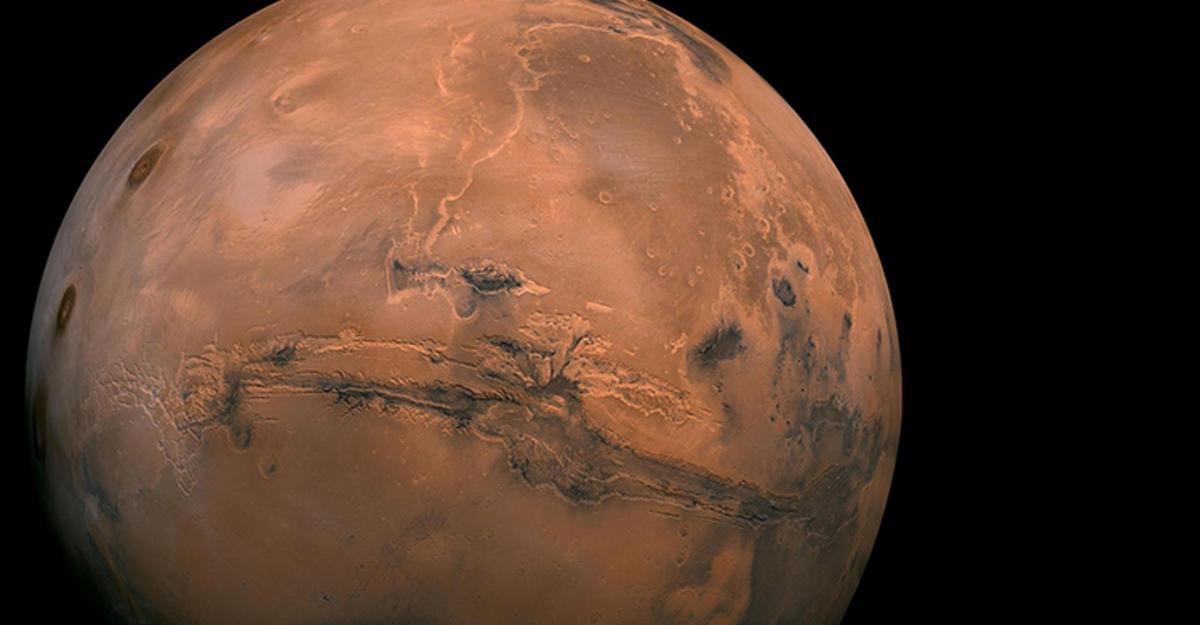 Mars Odyssey сделал снимок кратера Гусева