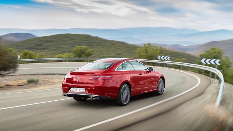 Mercedes-Benz официально представил купе Е-класса
