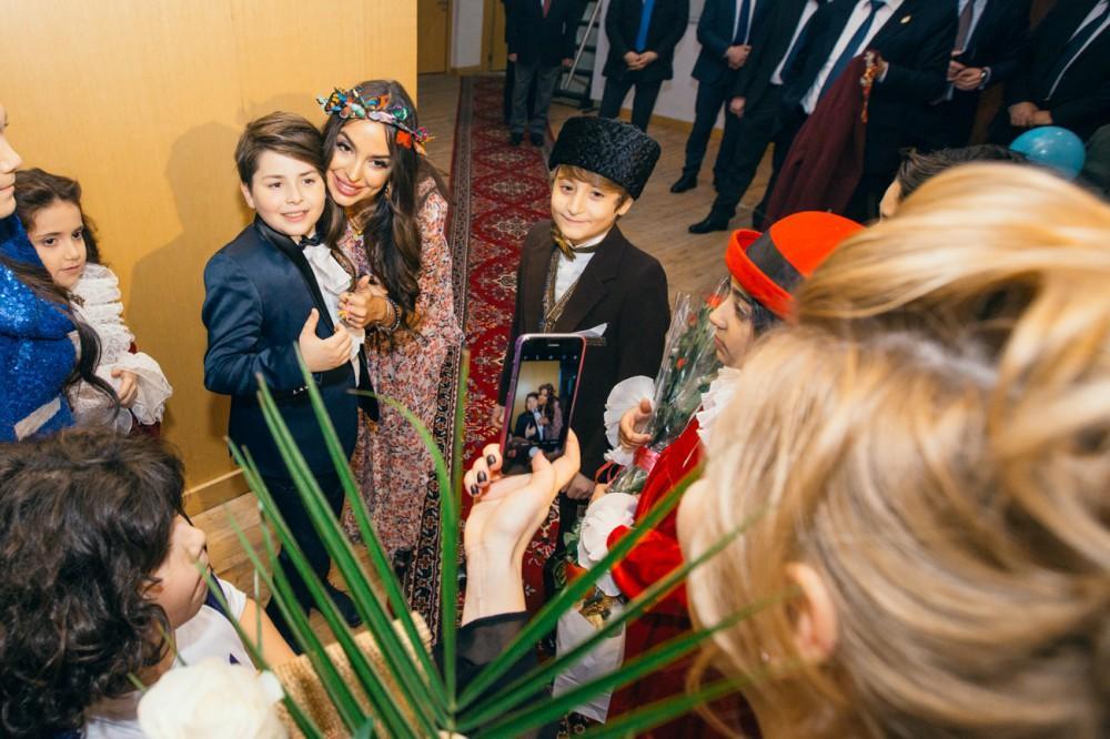 Лейла Алиева посетила детский музыкальный фестиваль эстрадной песни «Зима»