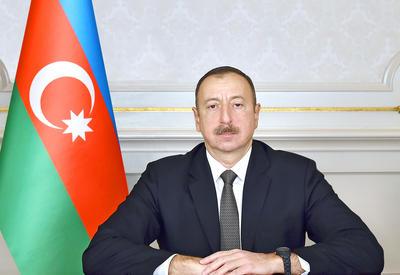 Президент Ильхам Алиев поздравил глав Мозамбика и Джибути