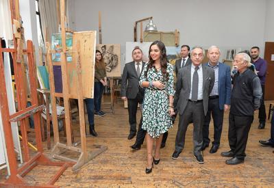 Лейла Алиева посетила Академию художеств и Национальный онкологический центр