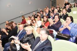 Первая леди Мехрибан Алиева посетила спектакль в Театре марионеток