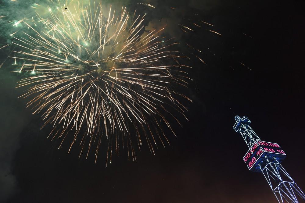 Баку встретил 2017 год грандиозным фейерверком
