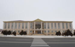 Президент Ильхам Алиев принял участие в сдаче в эксплуатацию реконструированного здания Нахчыванской городской русской школы