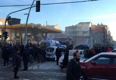 """В Стамбуле обрушилось здание, есть пострадавшие <span class=""""color_red"""">- ОБНОВЛЕНО - ФОТО - ВИДЕО</span>"""