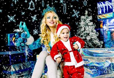 """Наина Ибрагимова с сыном в новогодней фотосессии <span class=""""color_red"""">- ФОТО</span>"""