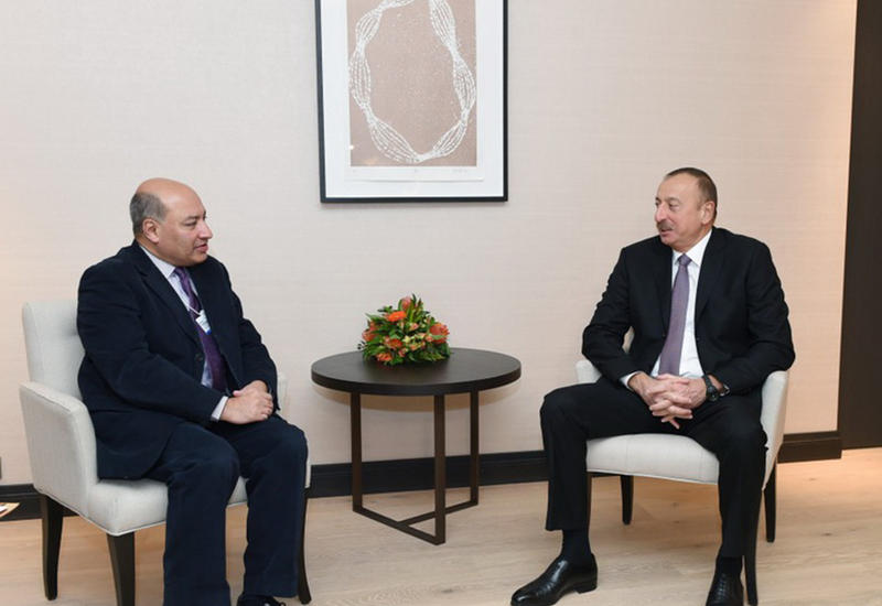 """Президент Ильхам Алиев встретился в Давосе с главой Европейского банка реконструкции и развития <span class=""""color_red"""">- ФОТО</span>"""
