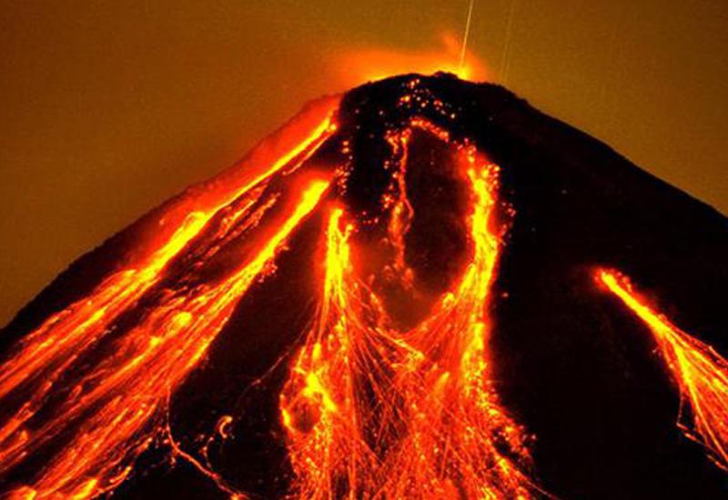 """В Мексике вновь пробудился самый большой вулкан <span class=""""color_red"""">- ВИДЕО</span>"""