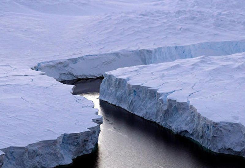 "Гигантскую трещину в Антарктиде сняли при помощи дрона <span class=""color_red"">- ВИДЕО</span>"