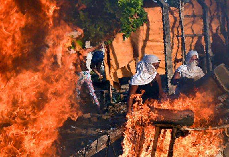 В Бразилии бандиты сожгли автобусы, перевозившие заключенных