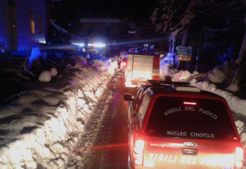 В засыпанном лавиной итальянском отеле нашли 13 выживших