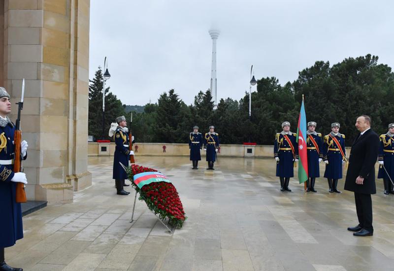 """Президент Ильхам Алиев почтил светлую память шехидов 20 Января <span class=""""color_red"""">- ФОТО</span>"""