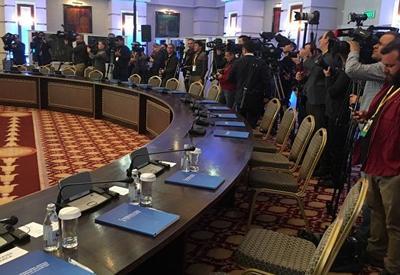 Журналисты устроили потасовку на встрече в Астане