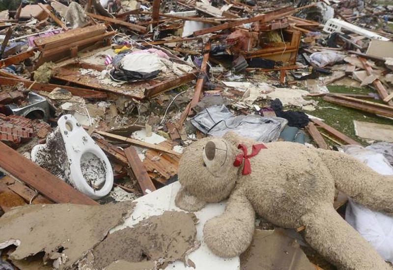 """Опубликовано видео последствий разрушительного торнадо в США <span class=""""color_red"""">- ВИДЕО</span>"""