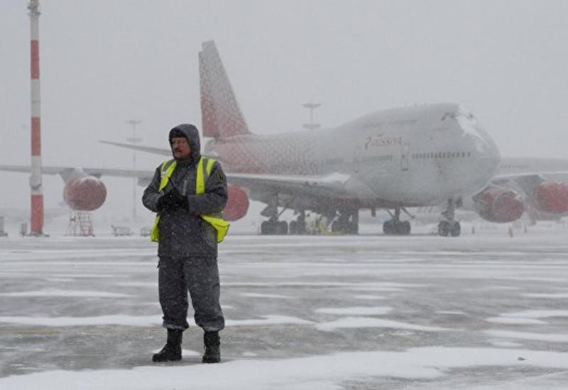 В Московских аэропортах отменили тридцать рейсов