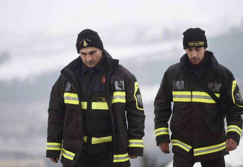 Число жертв схода лавины на отель в Италии выросло до 16 человек