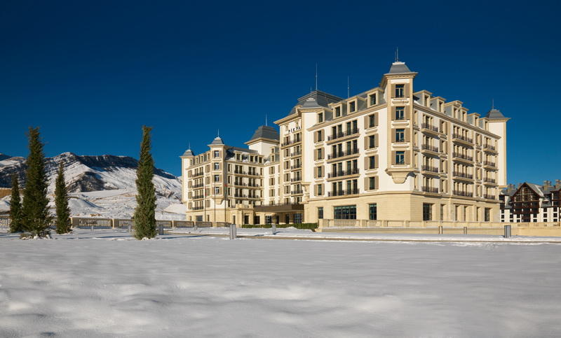Уют и великолепие отелей Park Chalet Shahdag и Pik Palace Shahdag