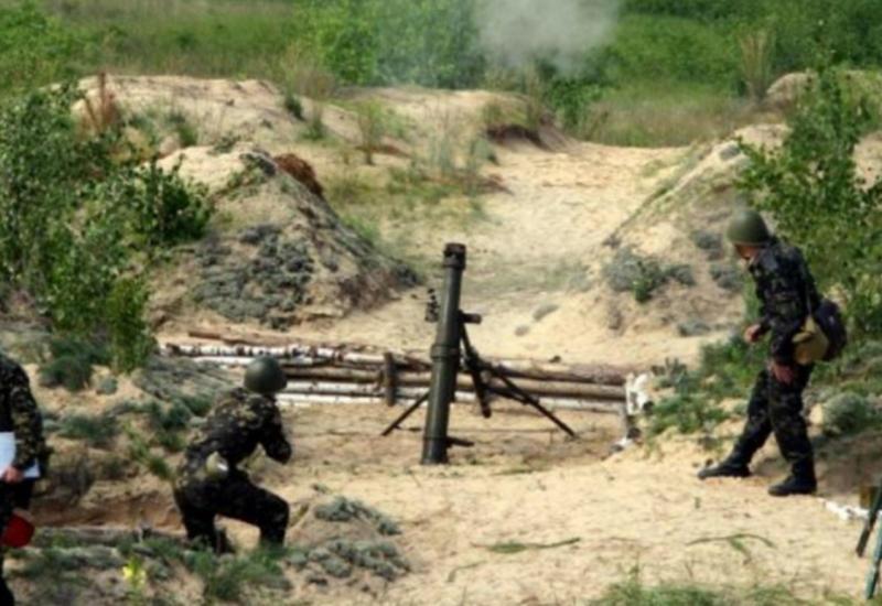 На линии фронта напряженно: армяне стреляют из минометов