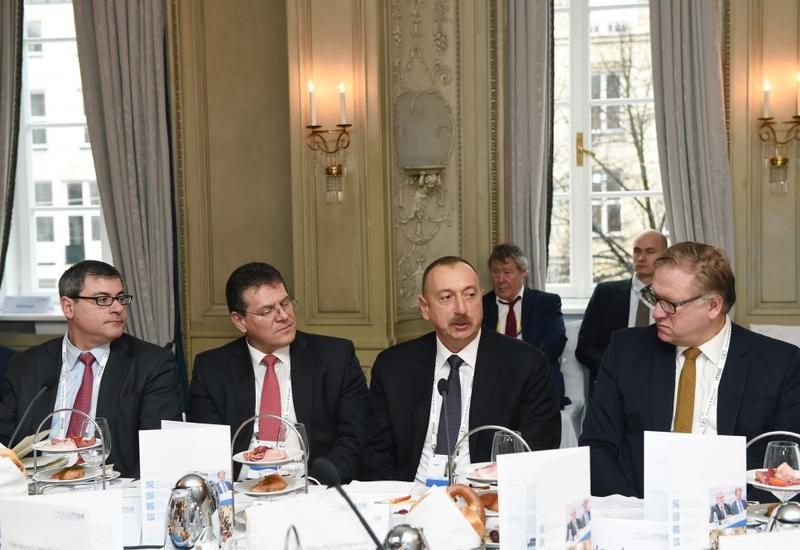 """Президент Ильхам Алиев: Наша цель в случае отсутствия искусственных задержек в странах-партнерах -  завершить """"Южный газовый коридор"""" до 2020 года"""