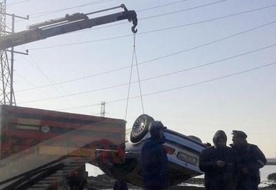 "В Баку BMW упала в озеро <span class=""color_red"">- ПОДРОБНОСТИ </span>"