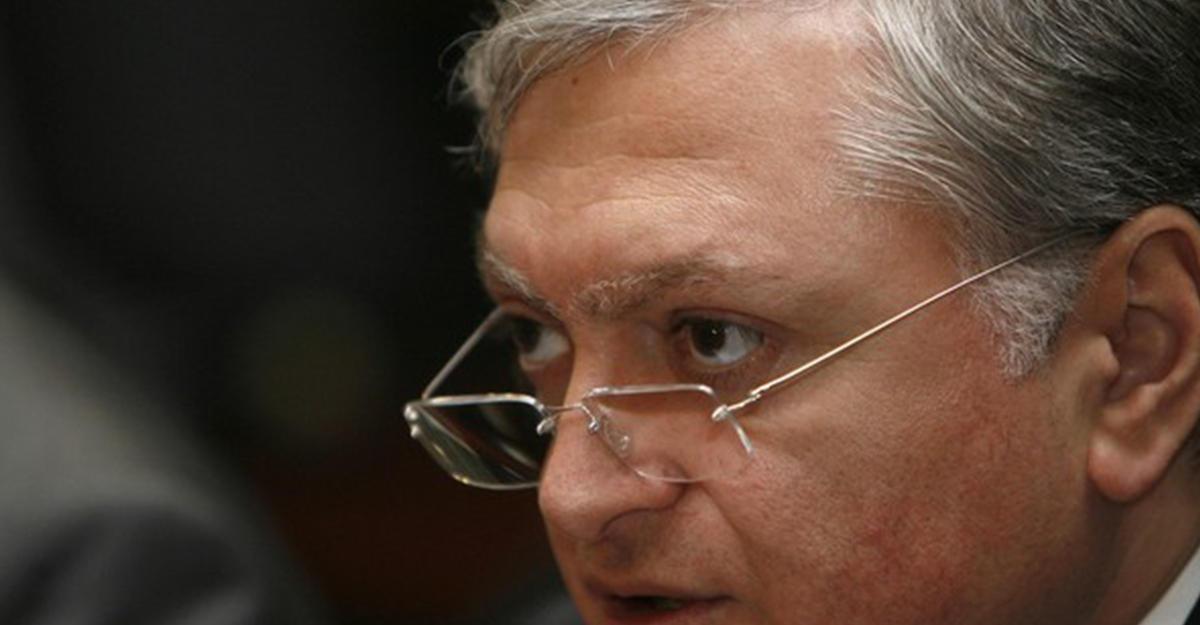 Лавров принял приглашение руководителя МИД Армении посетить Ереван