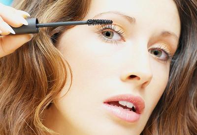 """5 ошибок при макияже глаз, которые ты совершаешь каждый день <span class=""""color_red"""">- ФОТО</span>"""
