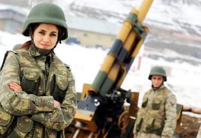 Турецким женщинам-военнослужащим разрешили носить платки