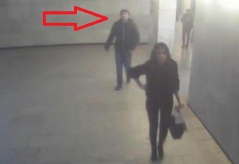 "В бакинском метро мужчина, укравший у девушки сумку с деньгами, попал на камеру <span class=""color_red"">- ВИДЕО</span>"