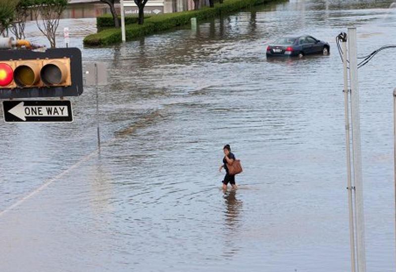 Наводнения в Калифорнии, эвакуированы десятки тысяч человек