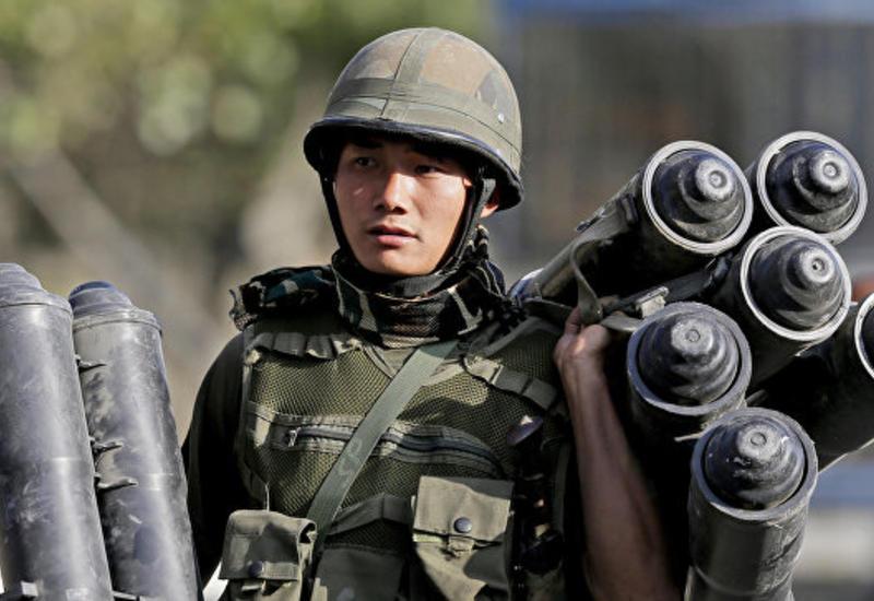 В Кашмире боевики напали на армейский конвой
