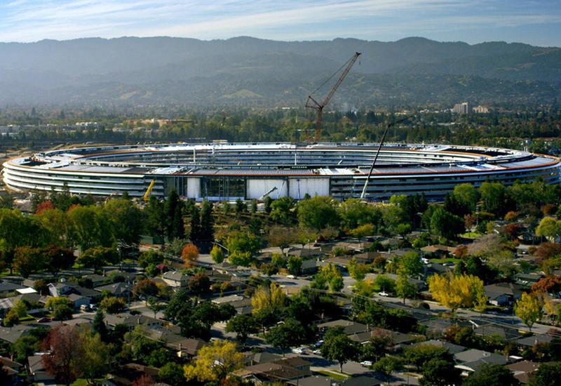 """Apple показала, какой будет ее «космическая» штаб-квартира <span class=""""color_red"""">- ВИДЕО</span>"""