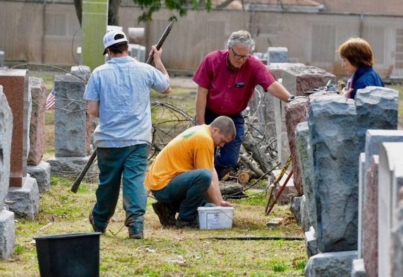 Мусульмане в США собрали средства на реставрацию еврейского кладбища