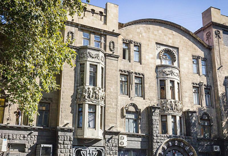 Потомки армянского миллионера хотят отобрать дома у грузин