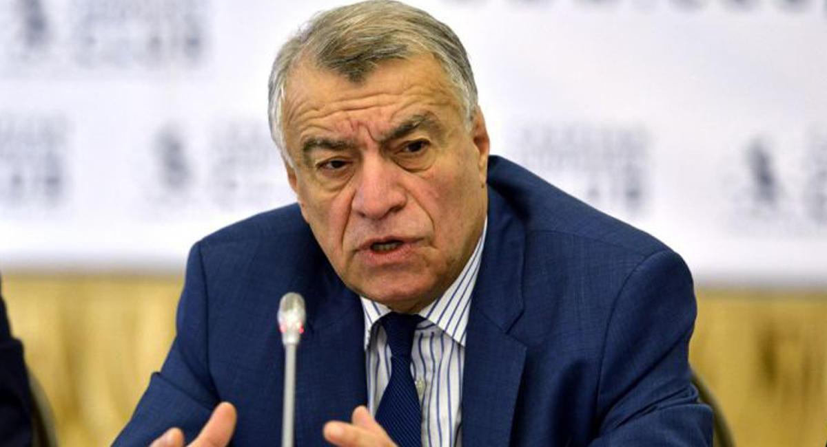 Члены ОПЕК договорились продлить соглашение о уменьшении нефтедобычи