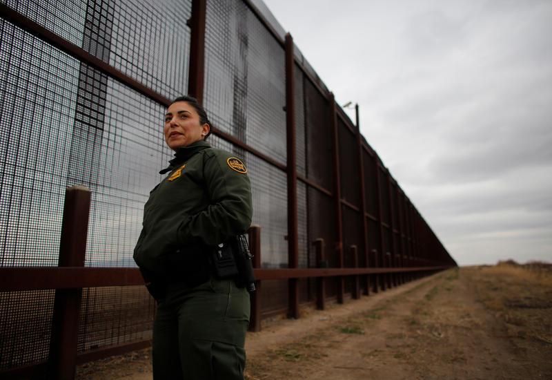 В США выберут подрядчиков для постройки стены на границе с Мексикой