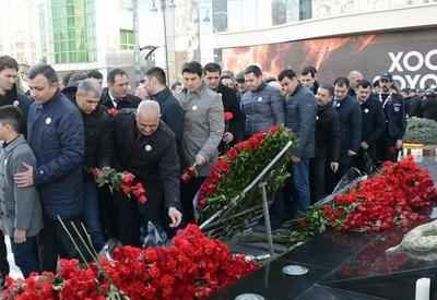 """В Баку прошло всенародное шествие в связи с 25-ой годовщиной Ходжалинского геноцида <span class=""""color_red"""">- ФОТО</span>"""