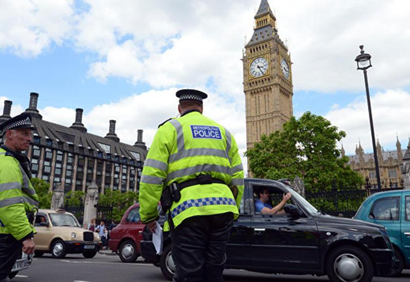 В Лондоне автомобиль въехал на тротуар и сбил пешеходов