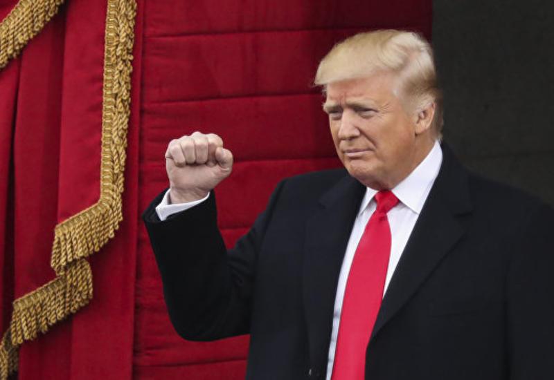 Число недовольных работой Трампа снизилось