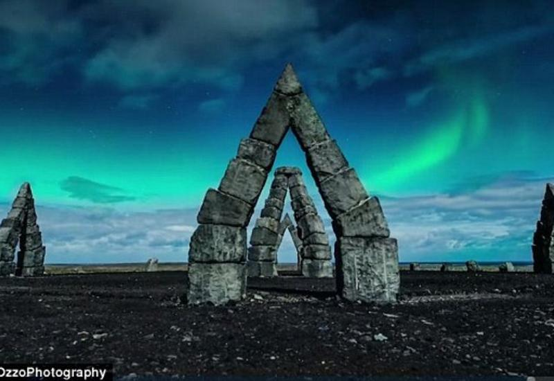 """Исландия в лунном свете с высоты птичьего полёта <span class=""""color_red"""">- ФОТО</span>"""